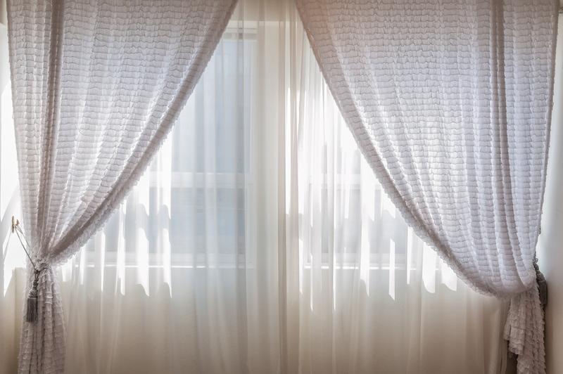 屋内のカーテン