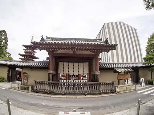薬師寺南門