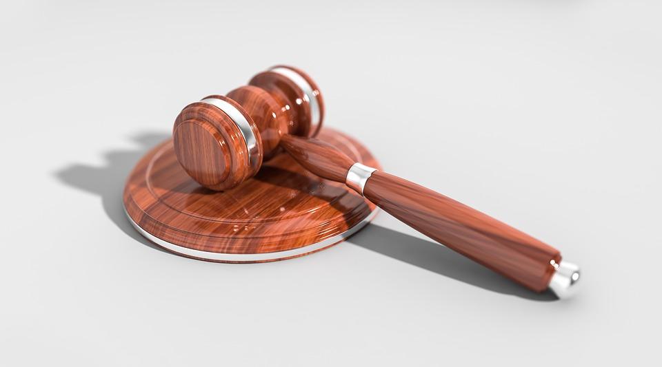 著作権侵害は権利者の訴えが無くても告発を受ける