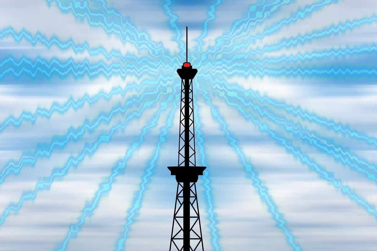砂漠 電波アンテナ