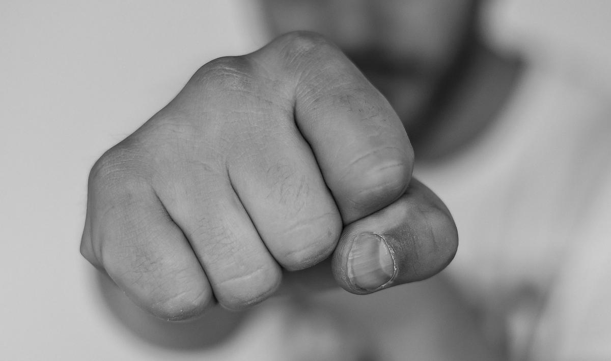 自身へ寄せられた批判を、『攻撃』や『悪口』と解釈してしまう人
