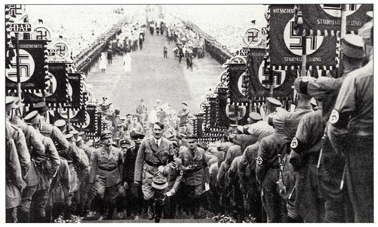 人類の歴史は共犯の歴史である。★ヒトラーが煽動したのではない。大衆が求めたのである。