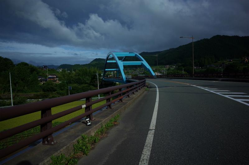 由良川に掛かる橋(京丹波:和知)