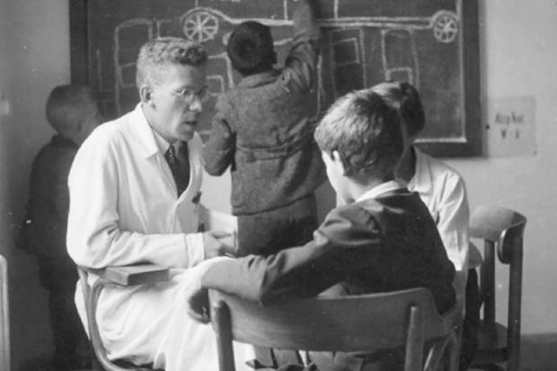 アスペルガー症候群を発見したハンス・アスペルガーとアスペルガー症候群の子どもたち