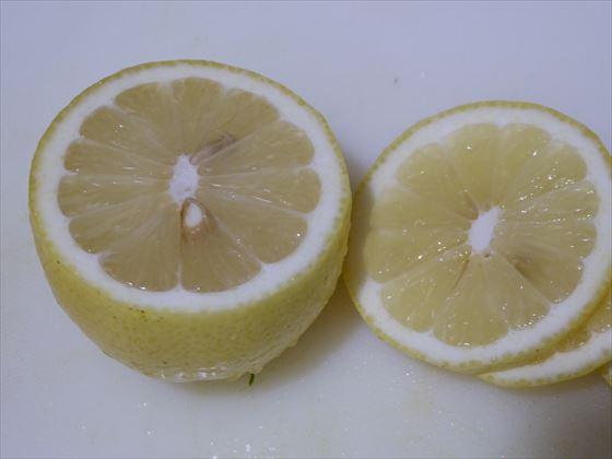 切ったレモンレモン