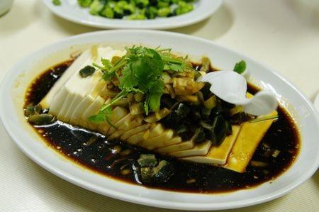 上海小吃のピータン豆腐