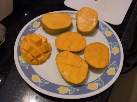 チャイパーティーでマンゴー
