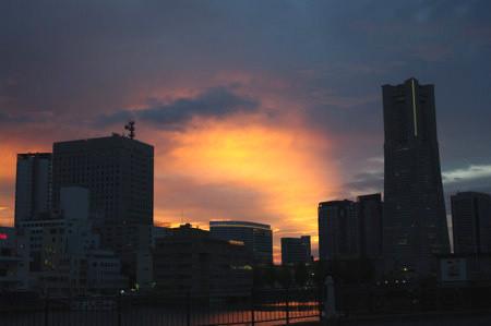 みなとみらいの夕陽