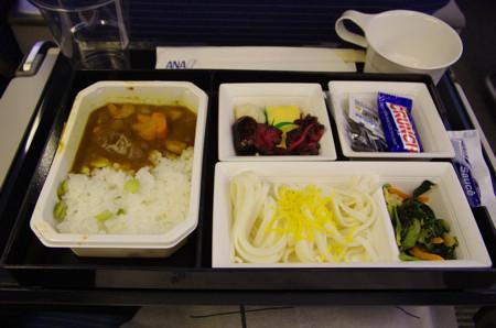 エコノミークラスの機内食