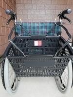 車椅子とカゴ