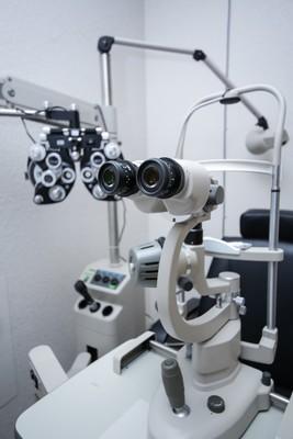 眼科の機械
