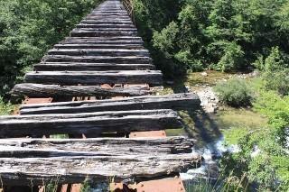 ボロボロの橋