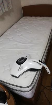 ベッドと掃除機