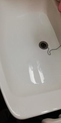 洗面台にはった水