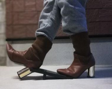 靴脱ぎ器の使い方
