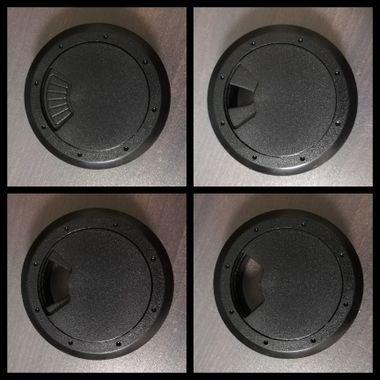 L字デスクのケーブルホールの穴
