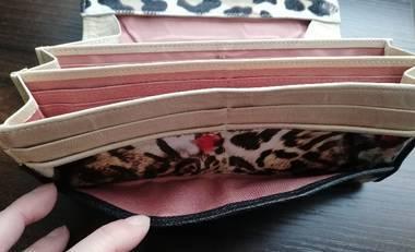 長財布の内装