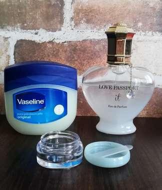 練り香水作りの材料