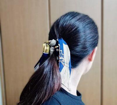 バナナクリップを使用した髪