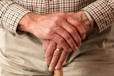 高齢者の気付きにくい肺炎症状