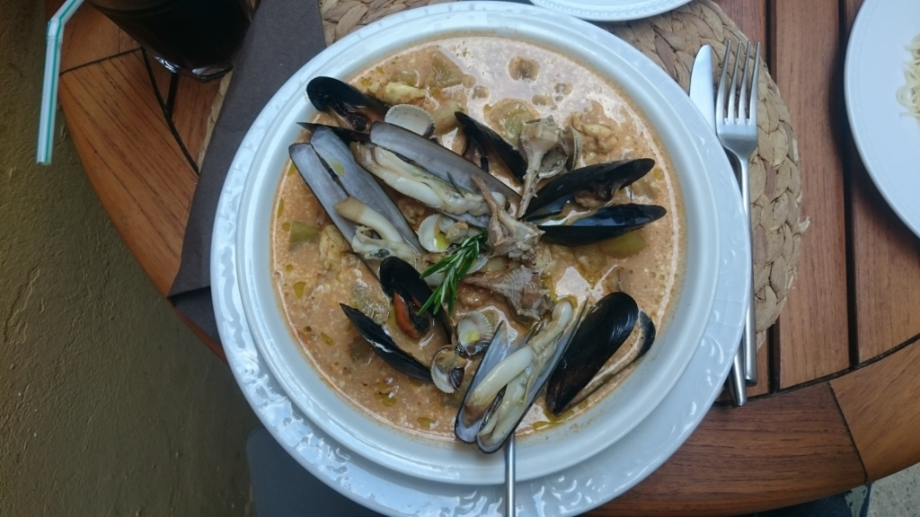 アルルのLe Criquetでのおいしい海産物を使った料理