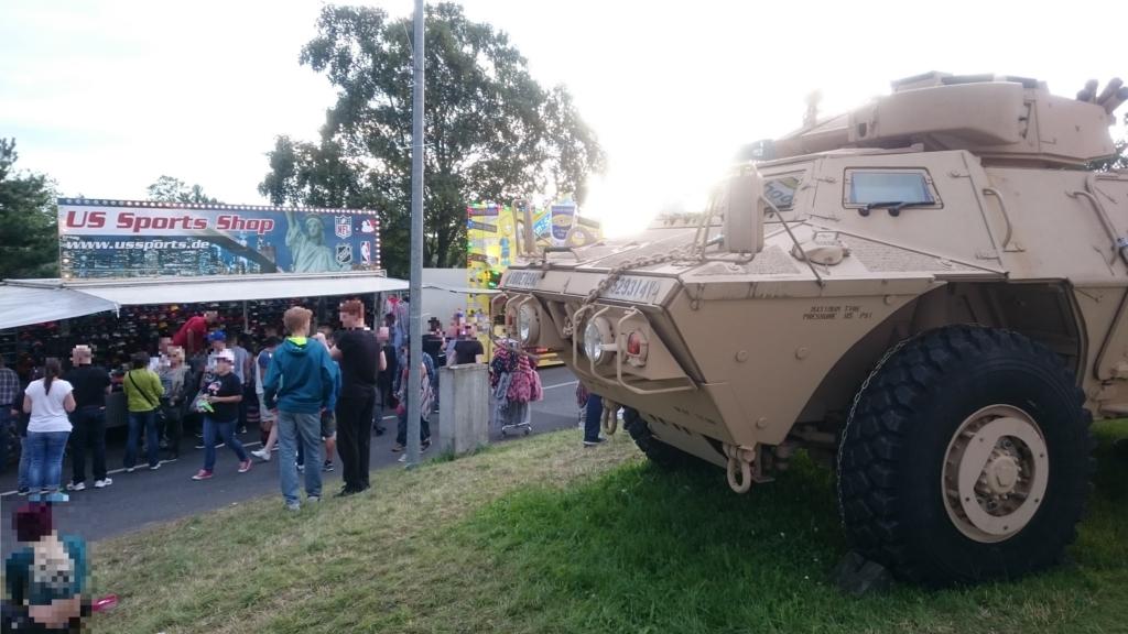 軍用の装甲車両