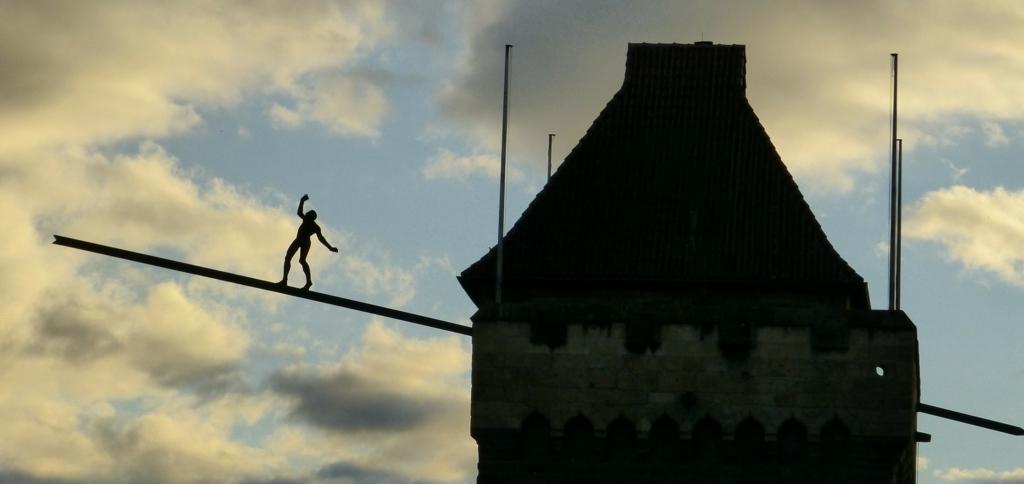一般化という作業は綱渡りにも似てバランス感覚が特に求められる
