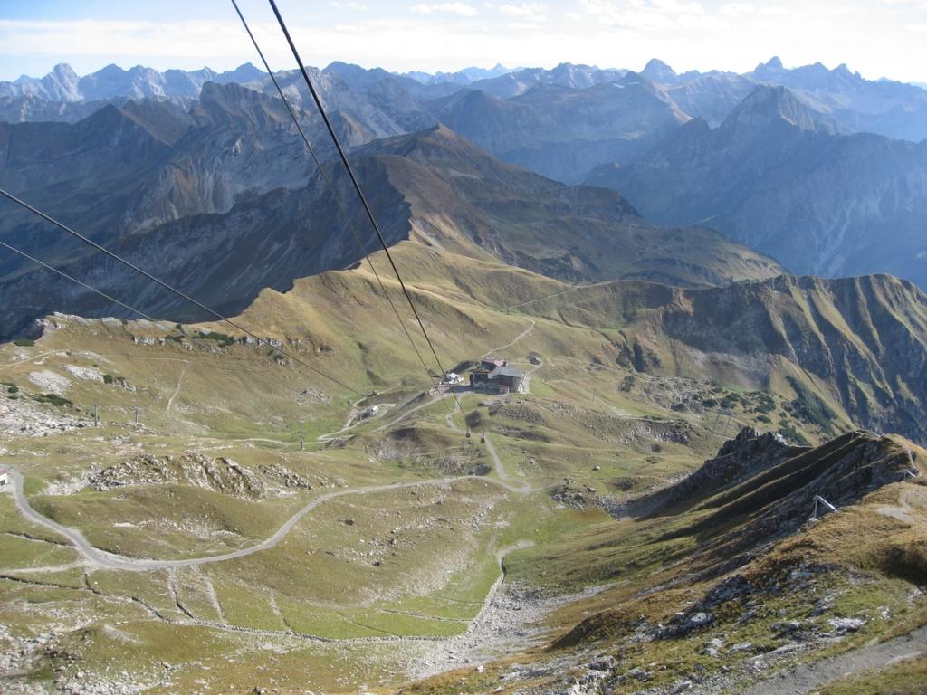 ケーブルカーで登るアルゴイ地方の山