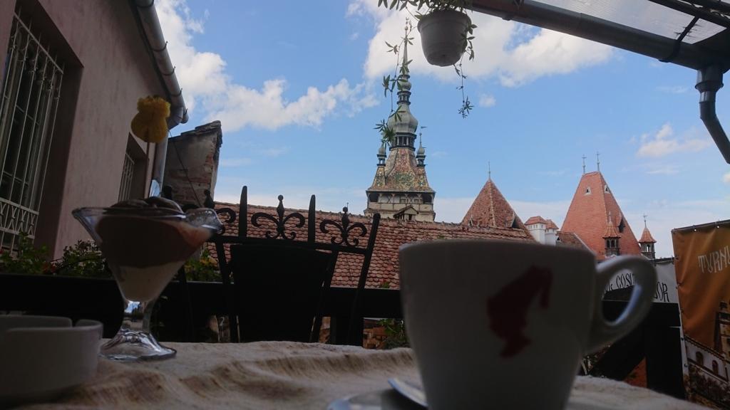 カフェから見える時計塔