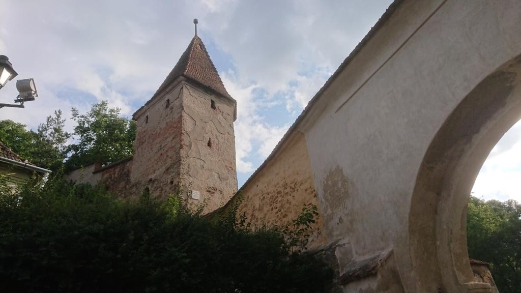 城壁に沿って設置されたギルド塔7