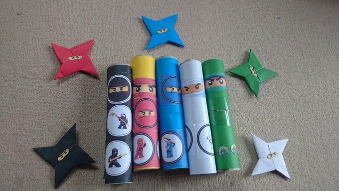 <息子の誕生日パーティーのアトラクションとして、レゴニンジャゴーのキャラクターを貼り付けた、手裏剣ゲームを手作りしました>