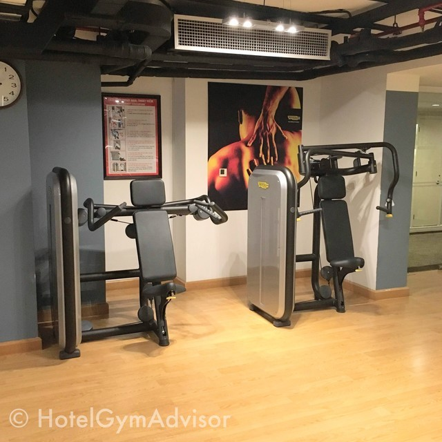 Chest press and shoulder press at Movenpick Hotel Hanoi