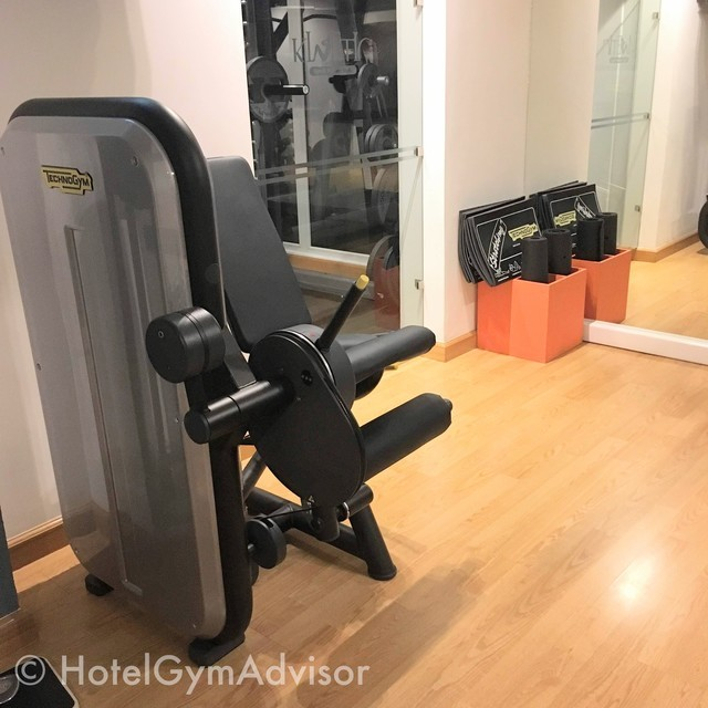 Leg extension/curl at Movenpick Hotel Hanoi