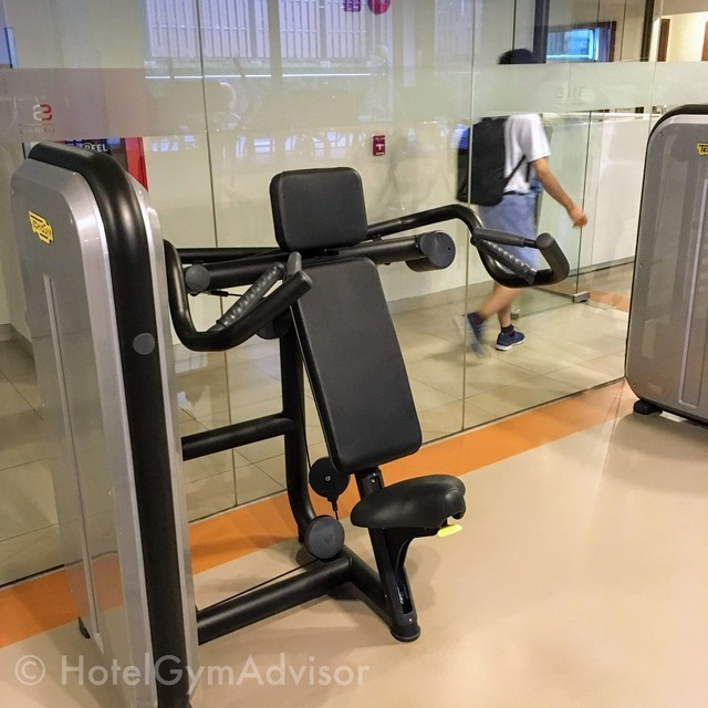 Shoulder press machine in Sila Urban Living