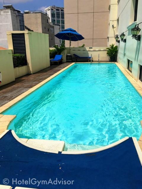 サイゴンプリンスホテルのジムのプール
