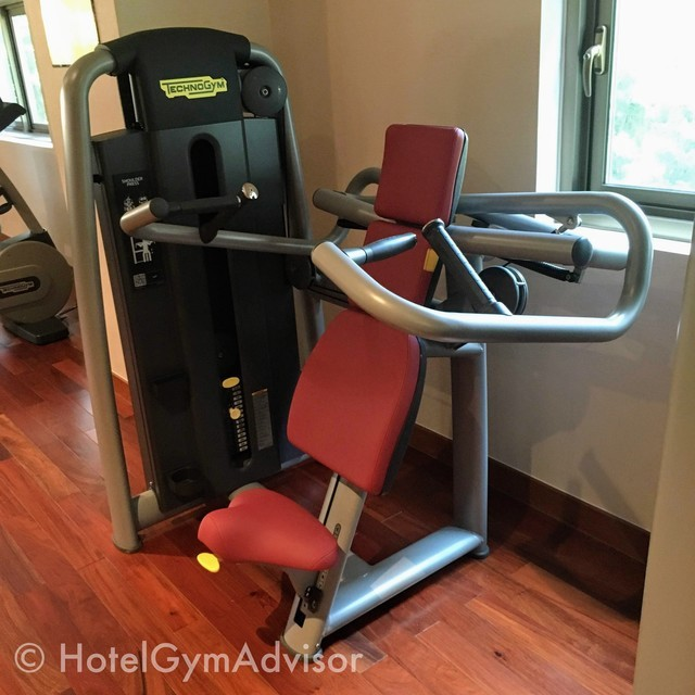 Shoulder  press machine at Sherwood Suites