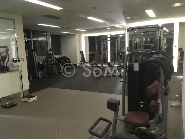 Weight machines in the gym of Westin Guangzhou