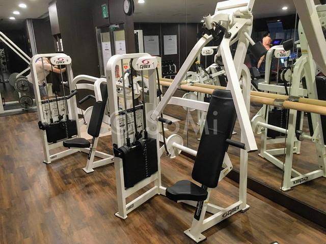 Weight machines in Orakai Insadong Suites