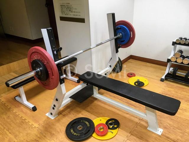 Bench press in the gym of Best Western Premier Gangnam Hotel