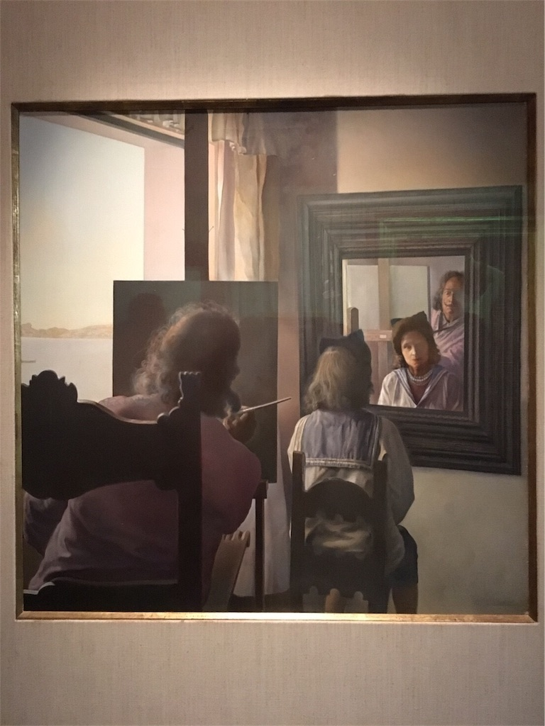 フィゲラスのダリ美術館 ガラを描くダリ