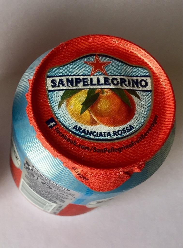サンペレグリノのアランチャータロッサはブラッドオレンジ味