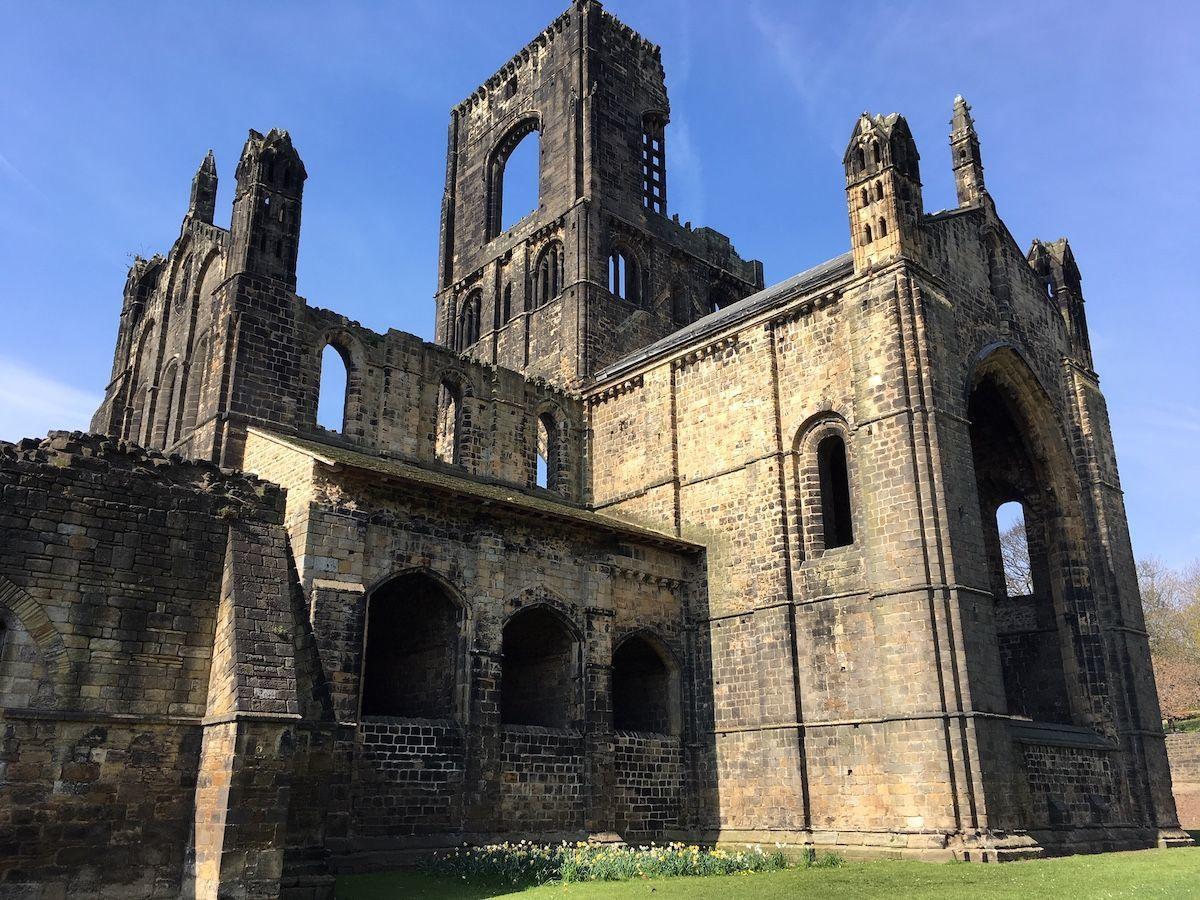 Kirkstall Abbey outside