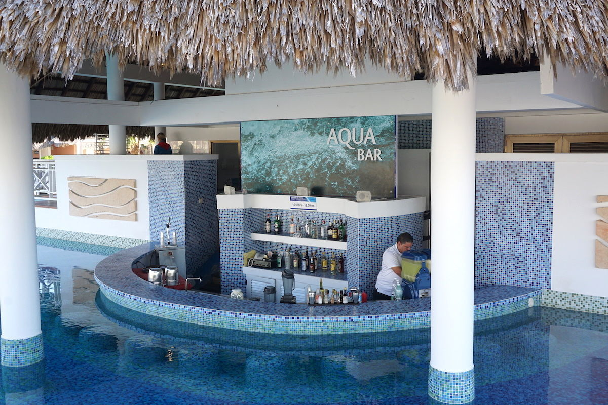 Royalton Hicacos Resort & Spa pool bar