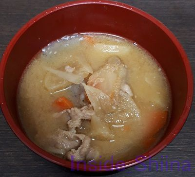 肉のうま味ひきたつ7種具材豚汁
