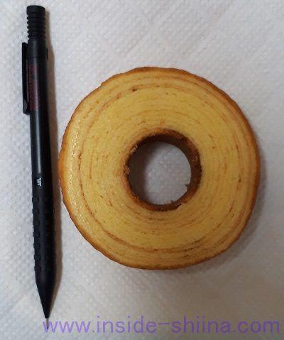 ファミマ 発酵バターを使ったこだわりのバウムクーヘンサイズ感