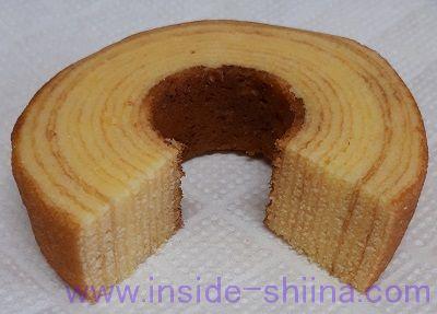 ファミマ 発酵バターを使ったこだわりのバウムクーヘン断面
