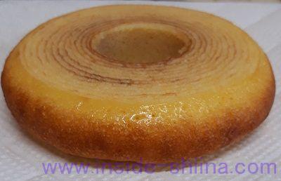 ローソン 発酵バターを使ったふんわりバウムクーヘン横から