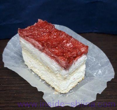 宇宙食 ストロベリーショートケーキ 見た目3
