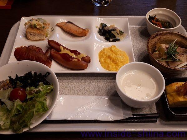 糖質制限中の出張における朝食