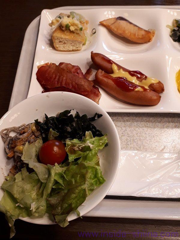 糖質制限中の朝食バイキングメニュー1